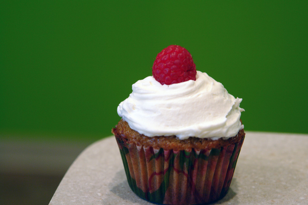 ... and Raspberry Cupcakes with Mascarpone Frosting | Buffalo Foodie